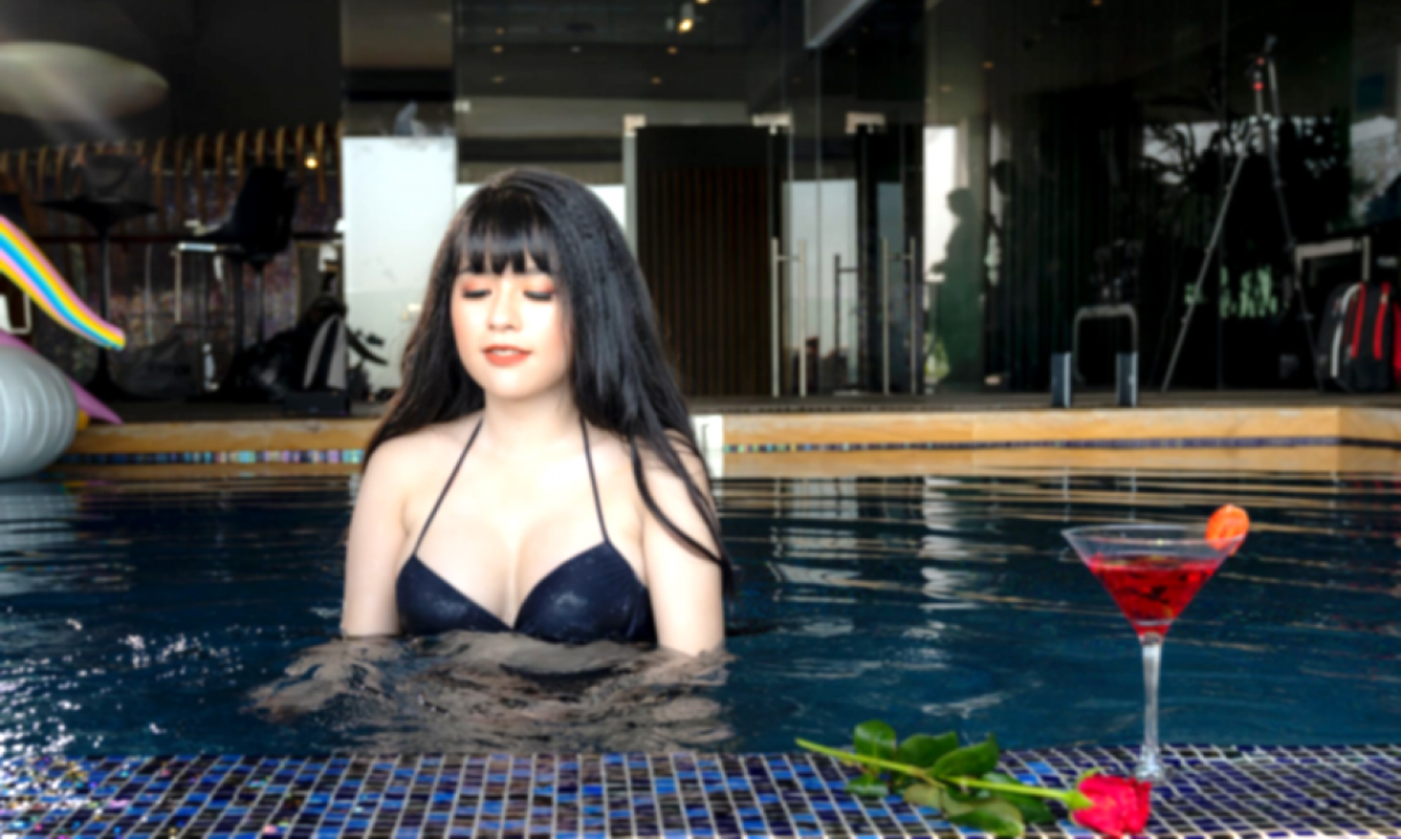 Best Singapore Local Social Escort & Dating - Harum Bass