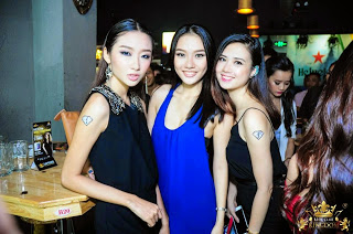 singaporean girls